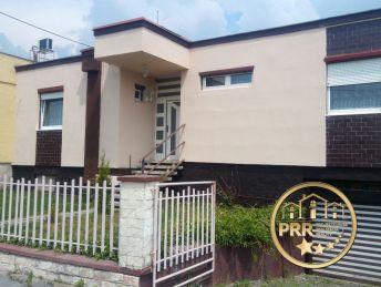 Rezervované !!! 4-izb. dom s garážou a pozemkom 536m2 v Bánovciach n/B., časť M.Chlievany