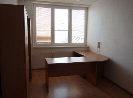 Menšie kancelárie, 14m2 a 18m2, širšie centrum mesta, výhodná poloha, Ružinov