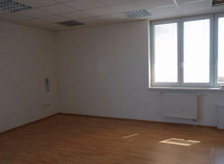 Kancelárske priestory v širšom centre mesta, Ružinov, 35m2, parkovanie