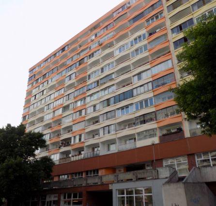 STARBROKERS - Predaj garsónky s lodžiou, 30 m2, Šustekova ul., Bratislava V, začiatok Petržalky