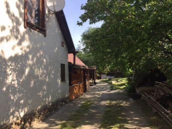 RD s garážou a pozemkom 1811m2 v obci Dvorec