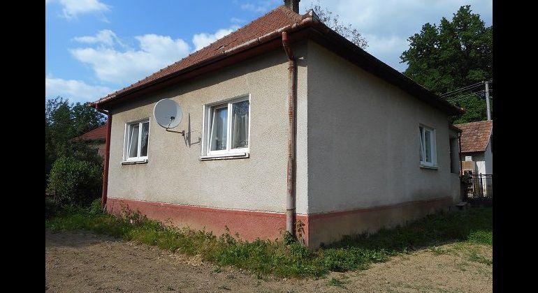 2-izbový útulný domček, Horná Súča, pozemok 979 m2