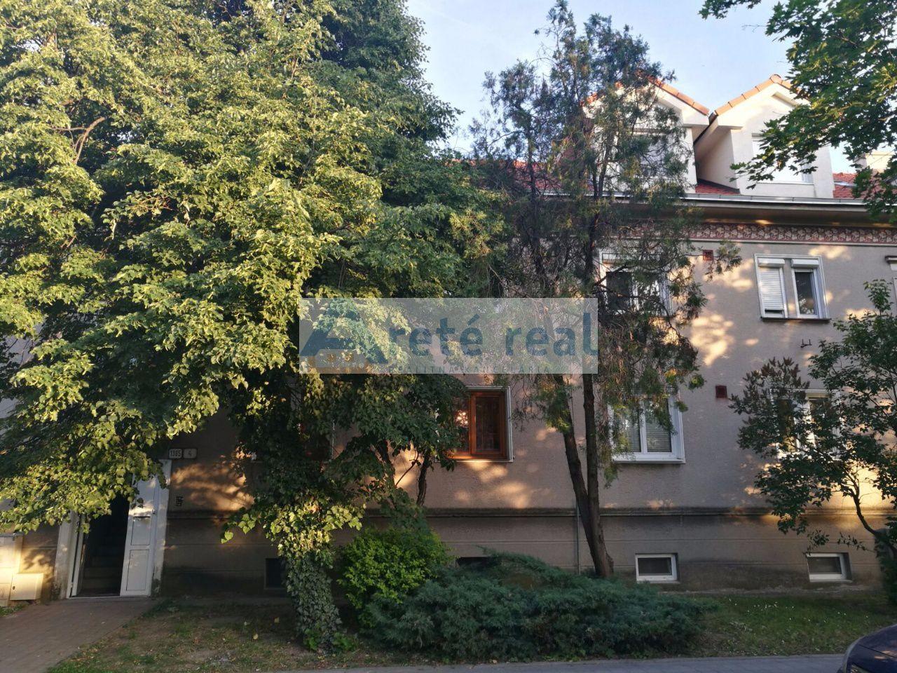 Areté real, Prenájom veľmi pekného 2-izbového zariadeného bytu v úplnom centre mesta Pezinok