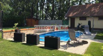 PREDAJ: 4 izbový RD s bazénom, Šamorín, časť Mliečno, pozemok 1.065 m2, garáž, sauna a okrasná záhrada, blízko X-BIONIC SPERE