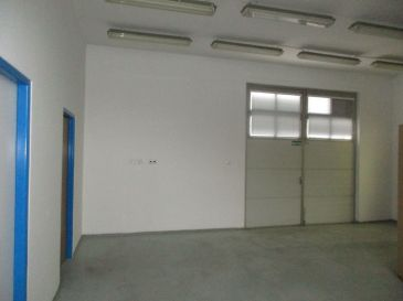 PREDAJ - skladové priestory / garáž/ Bratislavská Trnava 500 m2