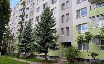 Exkluzívny predaj 3i bytu v obľúbenej lokalite obklopený zeleňou s nádherným výhľadom