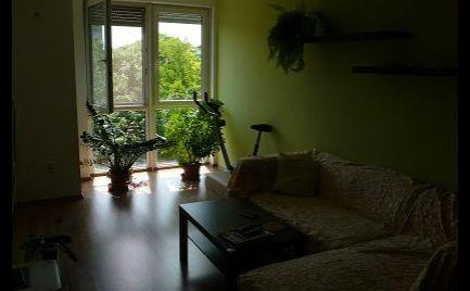 REZERVOVANÝ - Praktický 2-izbový byt na predaj v centre Šamorína
