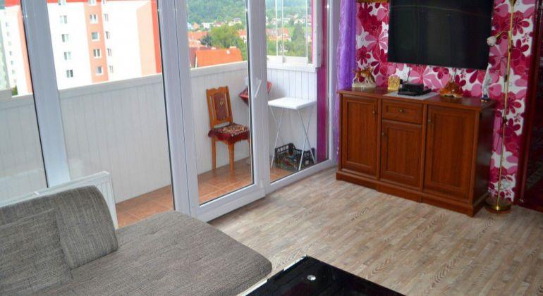 Sihoť III. - Troj izbový byt  ( 66m2 ) s výhľadom.