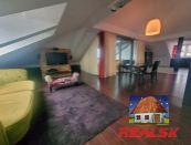 Unikátny 4-izbový byt s krásnym výhľadom v centre Nitry na prenájom