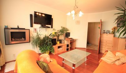 Dizajnový 3-izb byt, 68m2 + loggia, kompl. rekonštrukcia, Čingovská ul., KE - Nad Jazerom
