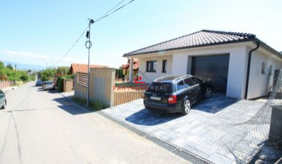 Ponúkame na predaj tehlovú novostavbu typu bungalov, obľúbená mestská časť Košice-Pereš.