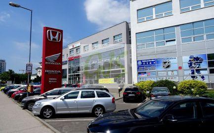 Výborné ceny vrátane energii, v modernej administratívnej budove. Rôzne výmery, známa adresa, parkovacie miesta.