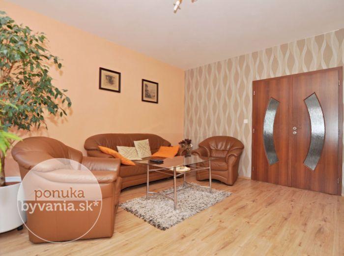 PREDANÉ - JASOVSKÁ, 4-i byt, 91 m2 – priestranný byt, kompletná rekonštrukcia, zateplenie, 2x LOGGIA, nízke náklady, pokojná lokalita so ZELEŇOU