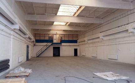Skladový priestor na prenájom, 430 m2