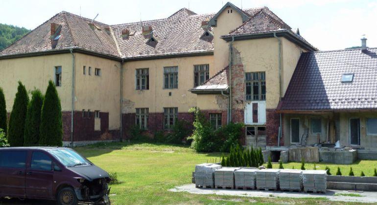 Predaj administratívna budova Štúrovo