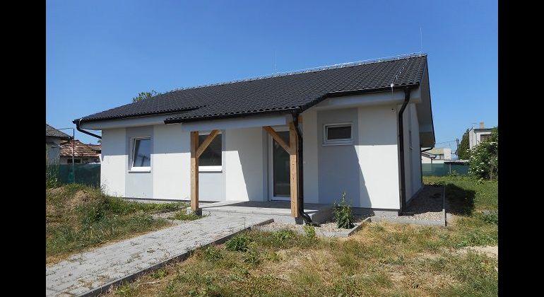 Výstavba montovaného nízkoenerg. 3-izb.domu, Mníchova Lehota