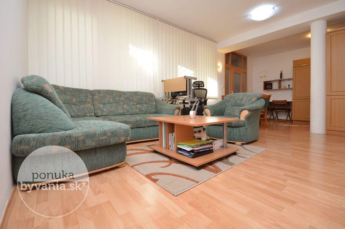 ponukabyvania.sk_Zámocká_2-izbový-byt_BARTA