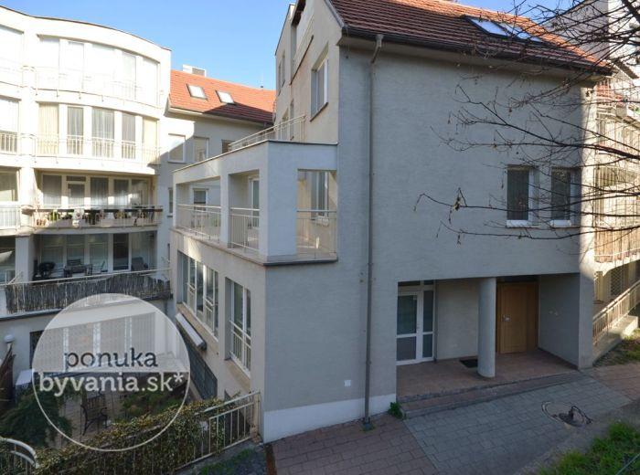 PREDANÉ - ZÁMOCKÁ, 1,5-i byt, 47 m2 – priestranný byt v NOVOSTAVBE, KOMPLETNE ZARIADENÝ, lukratívna lokalita pri BRATISLAVSKOM HRADE