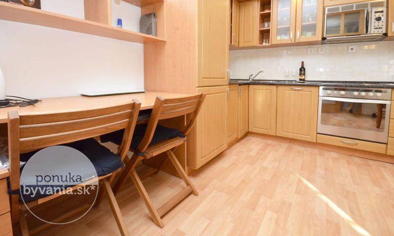ponukabyvania.sk_Zámocká_1-izbový-byt_BARTA