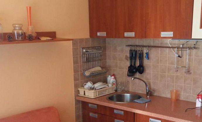 Jednoizbový byt, ulica Podháj, Radvaň, Banská Bystrica