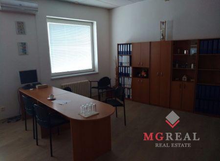 Administratívny priestor, Wolkrova ulica, výborná lokalita, Bratislava - Petržalka
