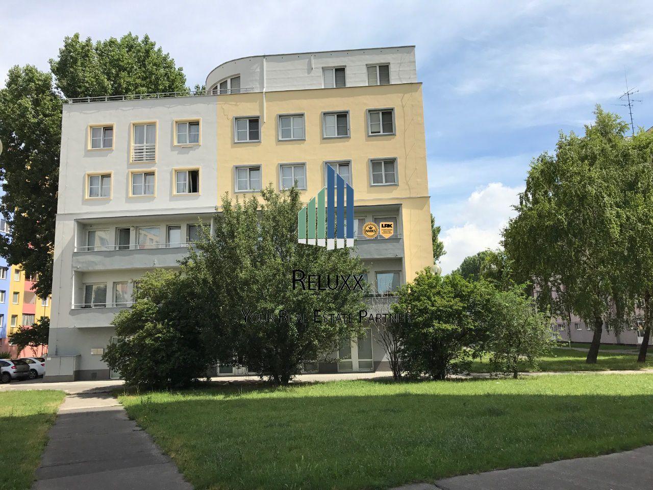 Poľnohospodársky objekt-Predaj-Bratislava - mestská časť Petržalka-2070000.00 €