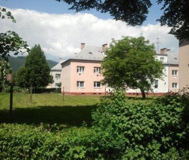 Pozemok pre komerčnú výstavbu, Považská Bystrica - Kolónia, 1000 m2
