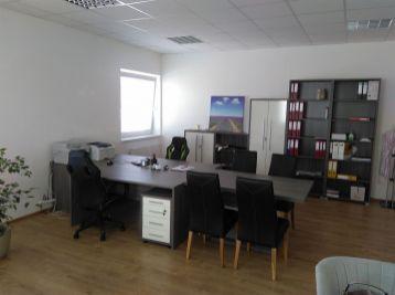 MAXFIN REAL - Kancelária s klimatizáciou a parkovaním