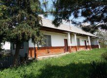 Pozemok so starším domom v obci Jastrabie pri Michalovciach