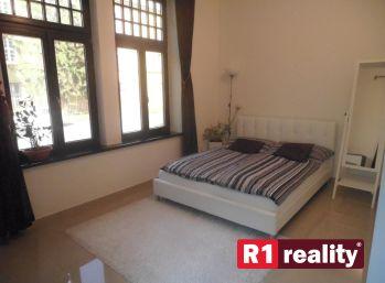 Exkluzívna ponuka R1reality:  3+1 tehlový byt /110 m2 + park. miesto pri centre/ Trenčín