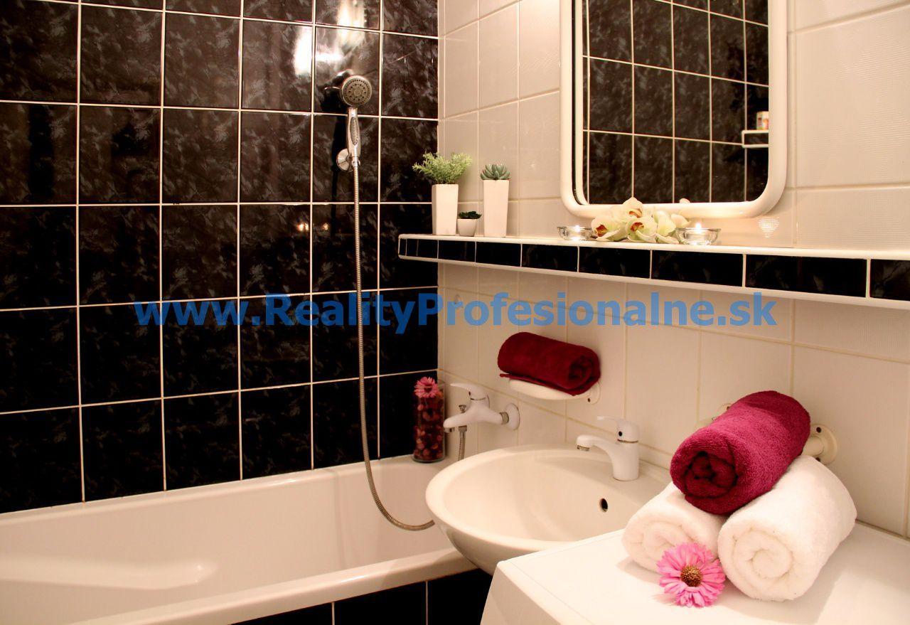 PREDANÉ ZA 18 DNÍ: Hľadáte 3 izbový byt v Petržalke, len na skok od centra mesta a do Viedne?