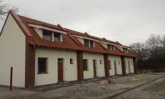 Predáme 3iz.rodinné domy v obci Dunajský Klátov-radová zástavba
