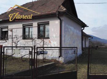 EXLUZíVNE -  ponúkame rodinný dom v tichej obci Bačkov iba 31 km od Košíc