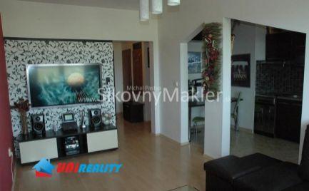 BÁNOVCE NAD BEBRAVOU- 2 izbový byt / DUBNIČKA / kompletná rekonštrukcia