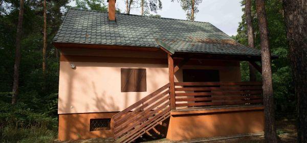 Plavecký Štvrtok- novostavba chaty- rodinné domu pri jazere.