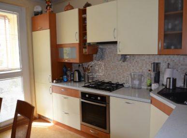 PREDAJ: 4 izb. byt s loggiou, Pezinok, Novomeského