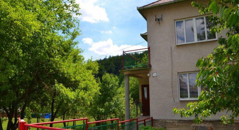 Veľká Hradná – Priestranný rodinný dom s pozemkom 1723m2.