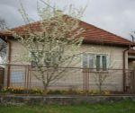 Rodinný dom s rovinatým pozemkom 1345 m2, Veľké Bierovce