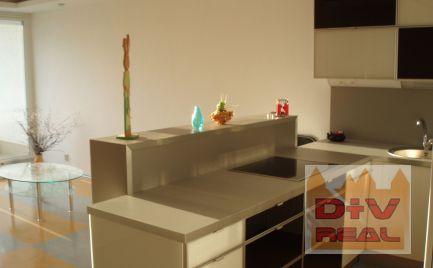 D+V real ponúka na prenájom: 2 izbový byt, Zadunajská cesta,  Bratislava V,  Petržalka, zariadený, parkovacie státie