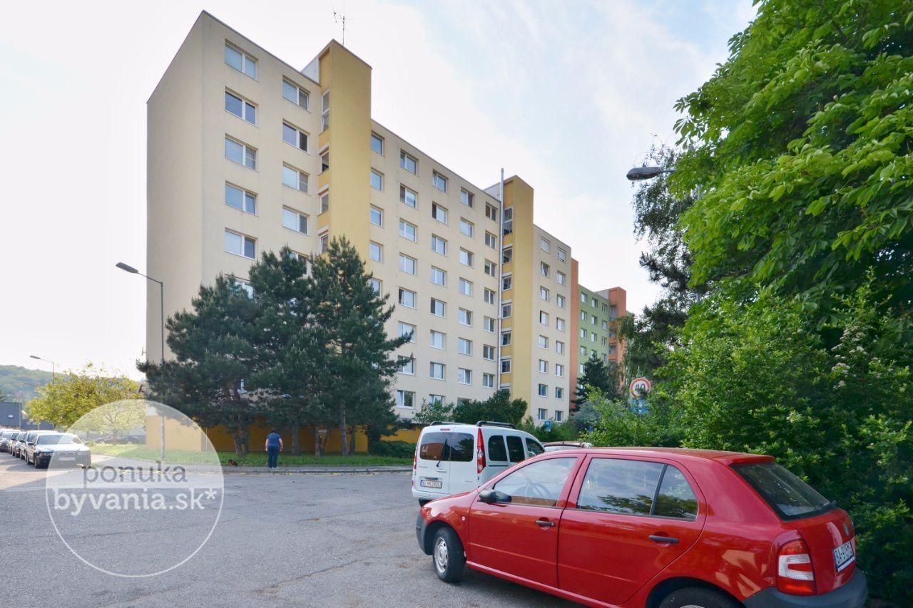 ponukabyvania.sk_Pekníkova_2-izbový-byt_archív