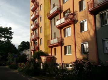 Reality Štefanec /ID-10557/ BA-Ružinov, 2 izb. byt na predaj Sklenárova ul., cena: 106.990,-€