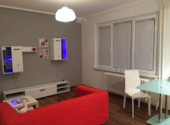 Reality Štefanec /ID-10558/ BA-Ružinov, veľký 1,5 izb. byt na predaj Sklenárova ul., cena: 105.990,-€