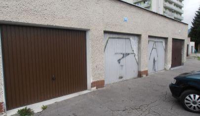 MARTIN PRIEKOPA  Tehlová garáž 18m2 s montáž. jamou a elektrinou