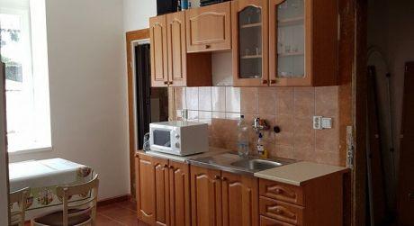 Na predaj 1-izbový byt v Štúrove