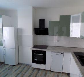 STARBROKERS - Predaj rekoštruovaného 3 izb. bytu, 59 m2, Kopčianska ul., BA V, Petržálka, s výhľadom na Rakúsko