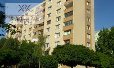 Prenajmeme dlhodobo 3i byt 67m2 nezariadený v centre mesta Šamorín, Hlavná ul.