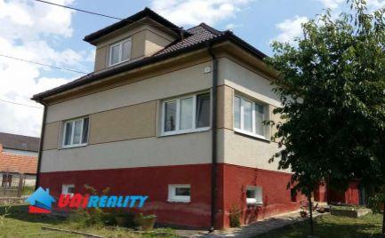 PREDANÉ   ---  Okres  BÁNOVCE nad  BEBRAVOU – obec PRUSY –  4 – izb. rod. dom / pekný pozemok 829 m2