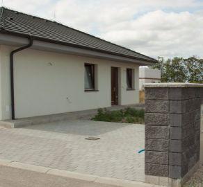 PREDAJ 5 izbového domu s rozumne riešeným pôdorysom v Miloslavove.