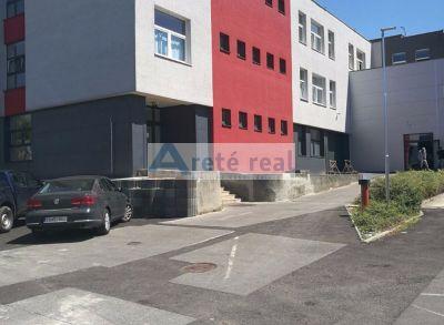 Areté real, Prenájom prevádzkových priestorov v dvojpodlažnej prevádzkovo-administratívnej budove v priemyselnej zóne v Modre