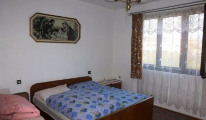 KAMANOVÁ 3 izb. dom s pozemkom výmera 1300m2 , okr. Topoľčany